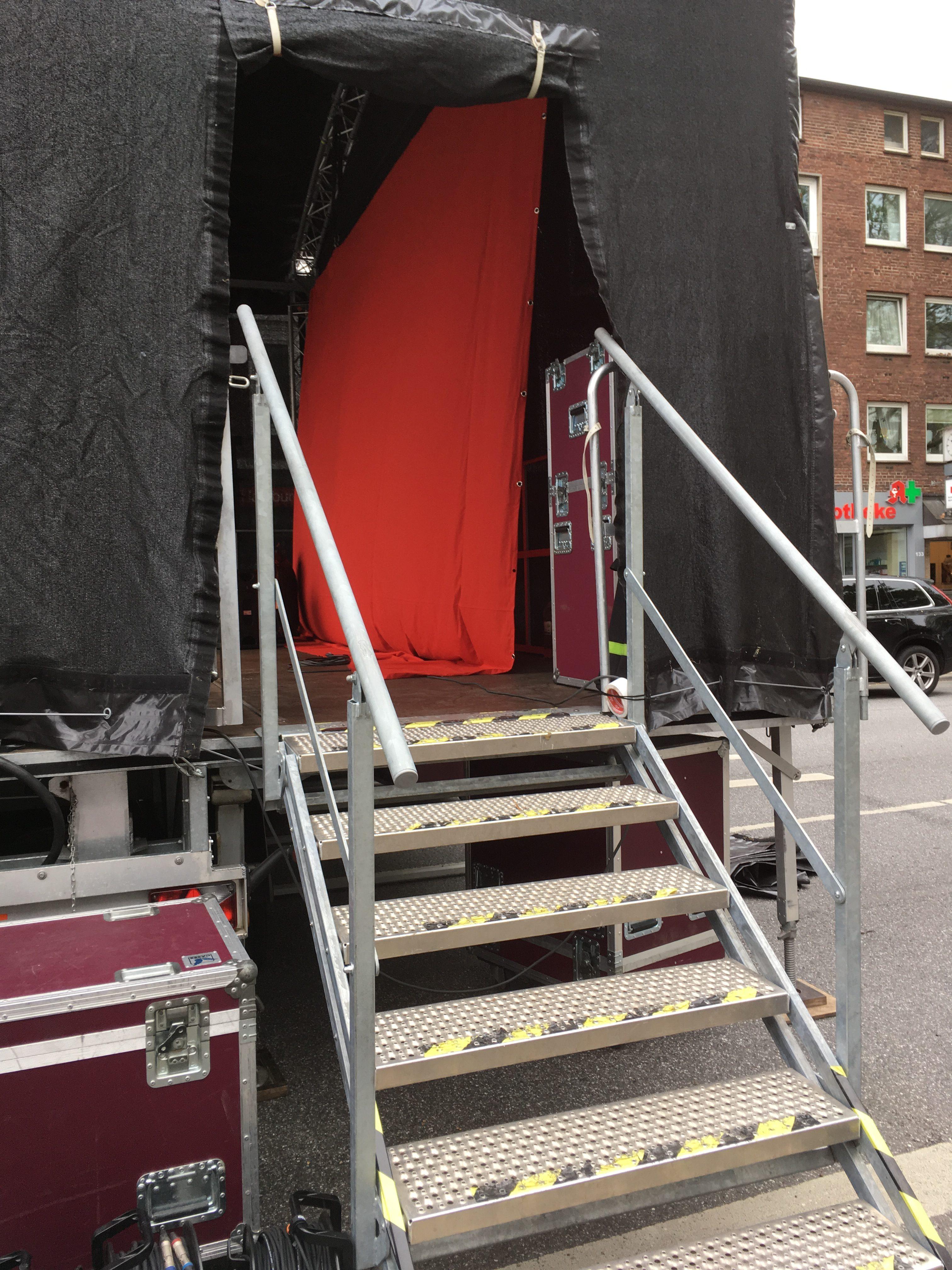 Bühnenaufgang