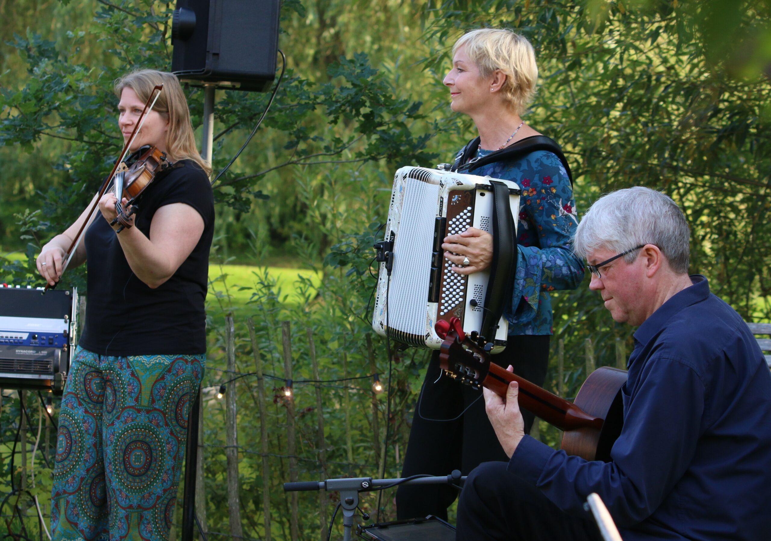 Yonder als Trio in Basthorst, Foto: Karen Mühle-Castillo